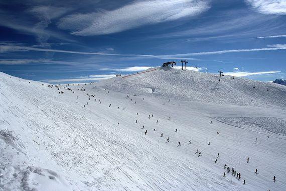 2014-12-14-1024pxRastkogel_ski_slope.jpg