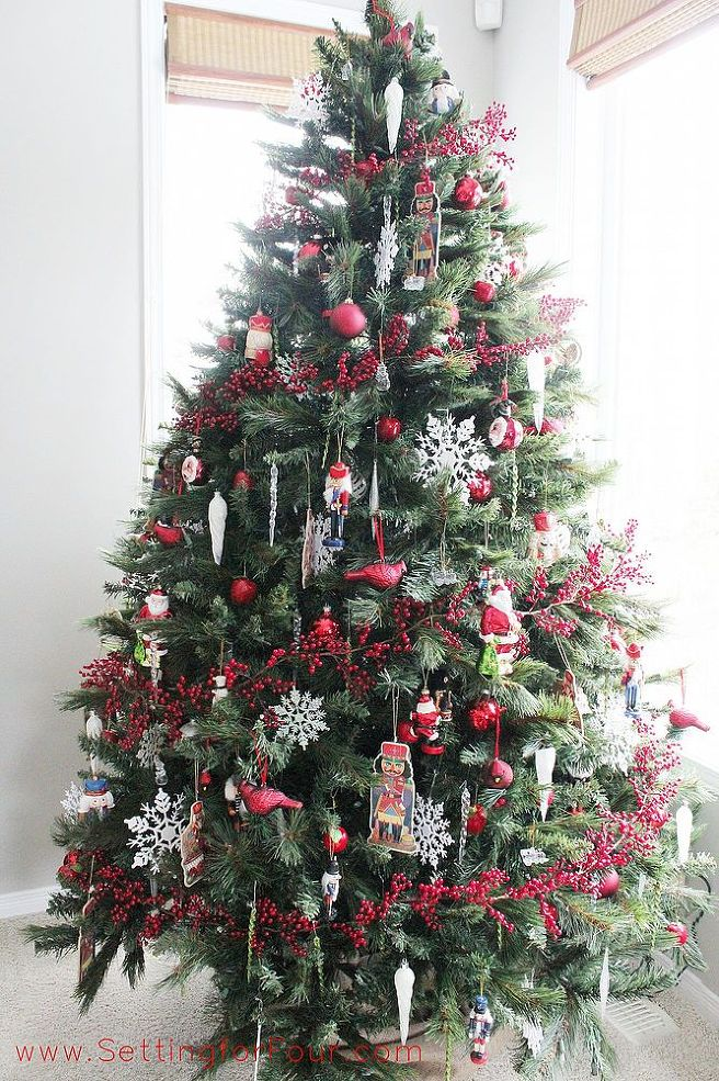 These 21 christmas trees perfectly match your favorite Red white christmas tree