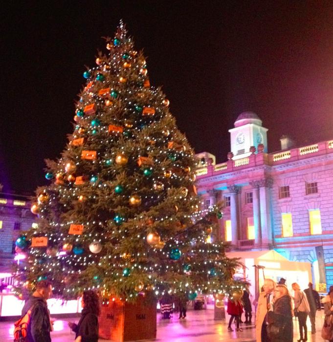 Seven Romantic Christmas Date Ideas Huffpost Uk Life