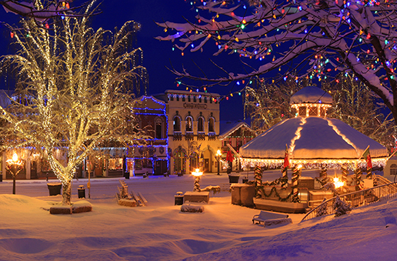Real Life Old Fashion Christmas Towns