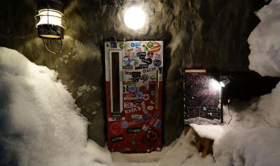 2014-12-17-9BarGyuFridgedoorinNiseko_PhotoCreditScoutSki.jpg