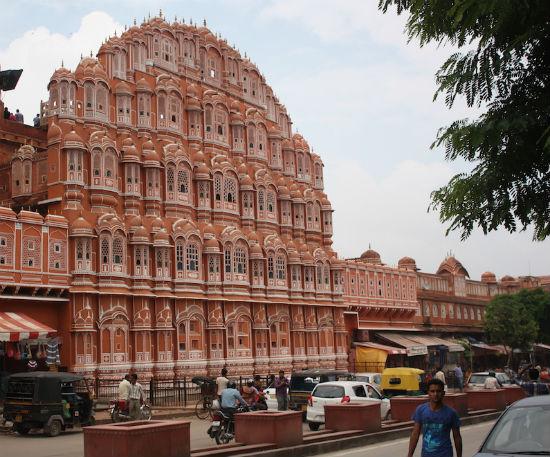2014-12-18-bhavani_hawamahal2.jpg