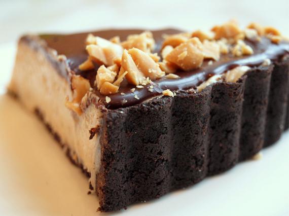 2014-12-20-chocolatepeanutbuttertart.jpg