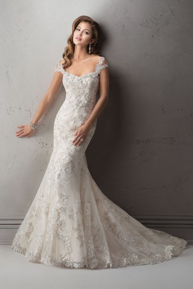 2014-12-22-9maggiesotteroweddingdressettiene.jpg