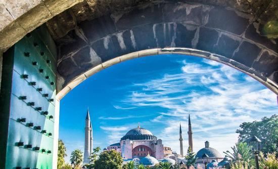 2014-12-23-2_SaviandVid_TurkeyIstanbul.jpg