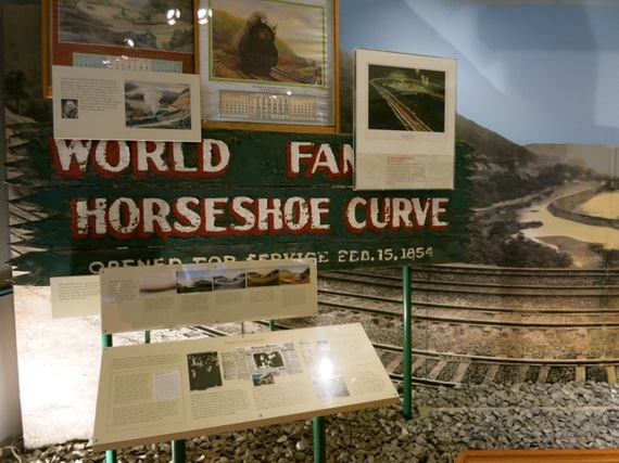 2014-12-23-HorseshoeCurve.jpg