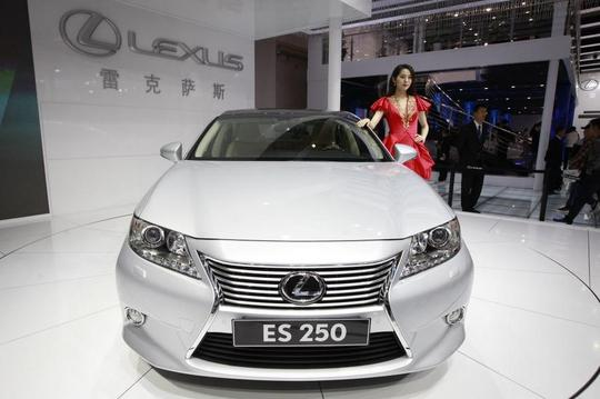 2014-12-26-Lexus.jpg