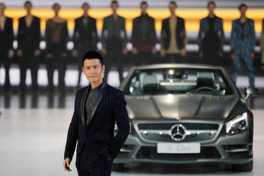 2014-12-26-MercedesBenz.jpg