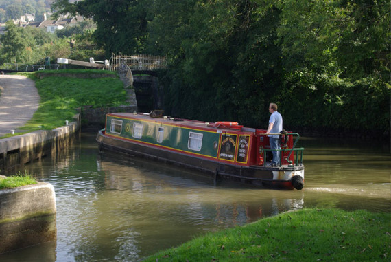 2014-12-31-Kennet_and_Avon_Canal_Bath__geograph.org.uk__9821981.jpg