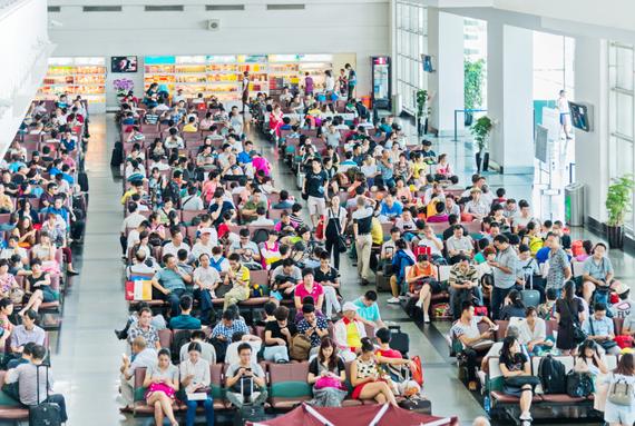2015-01-01-AirportCrowds.jpg