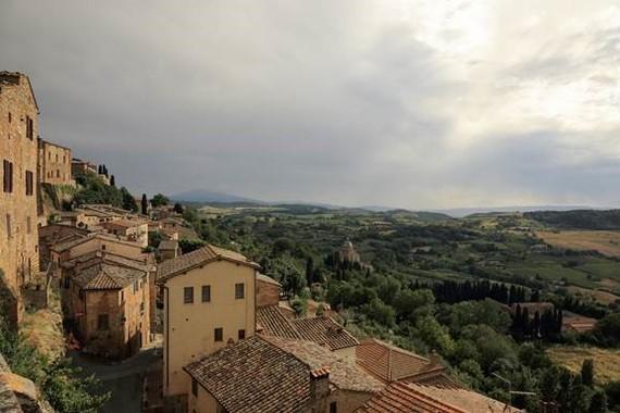 2015-01-06-TuscanyHillside.jpg