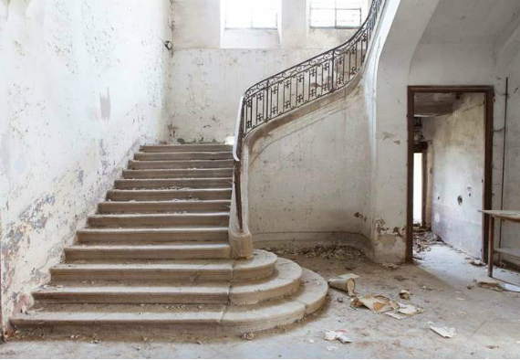 2015-01-08-Chateau_Staircase.jpg
