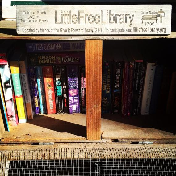 2015-01-08-littlefreelibrary.jpg