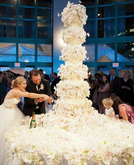 The best wedding cakes of 2014 huffpost 2015 01 09 bestofcakes20147g sylvia weinstock cakes jennifer lindberg weddings junglespirit Image collections