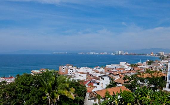 2015-01-10-PuertoVallartaViewofBayWider.jpg