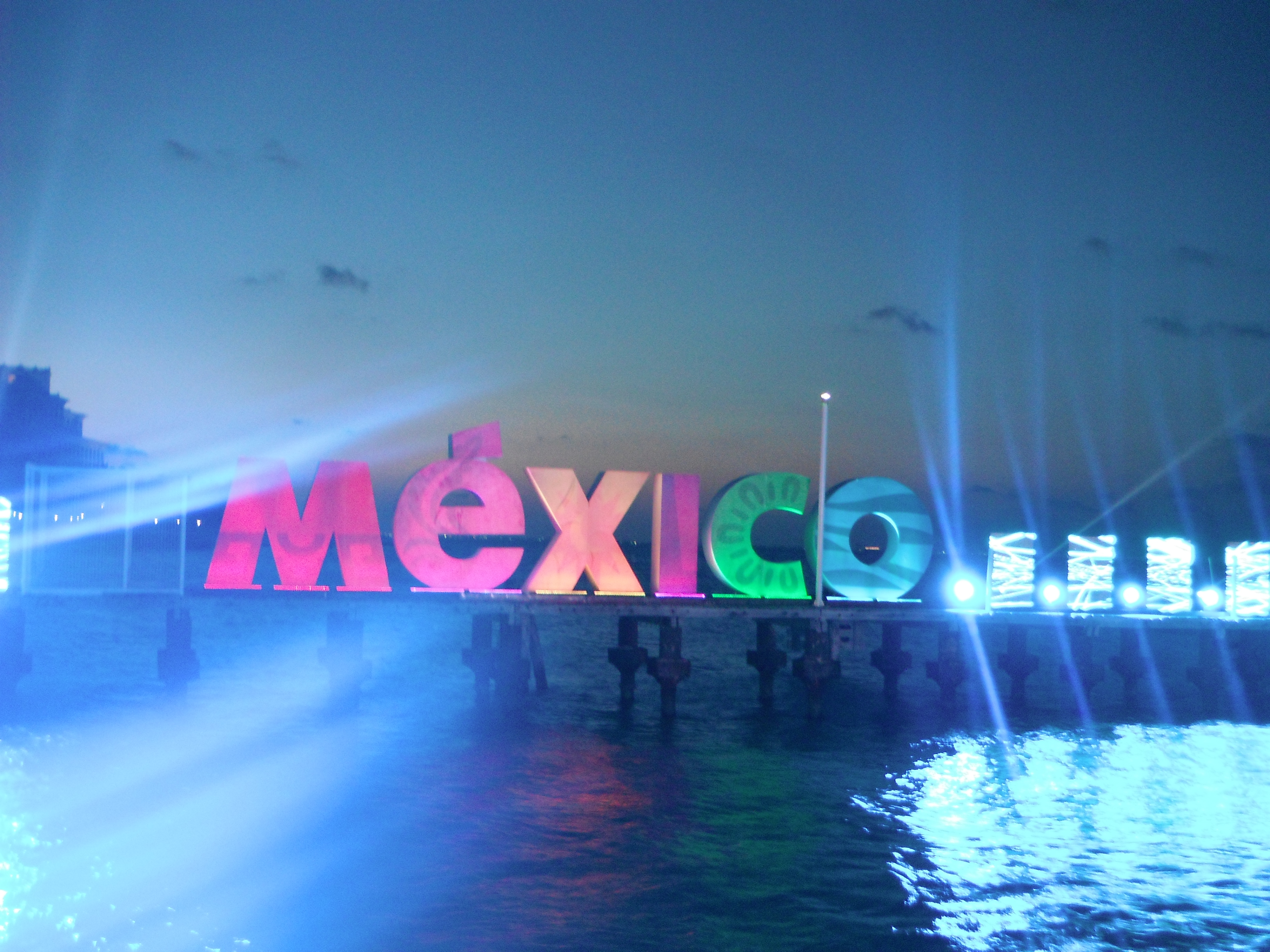 Bienvenido a Cancún Cumbre México Mart Viajes