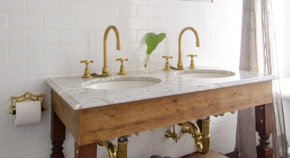 2015-01-13-brassbathroomdecorationfaucets.jpg