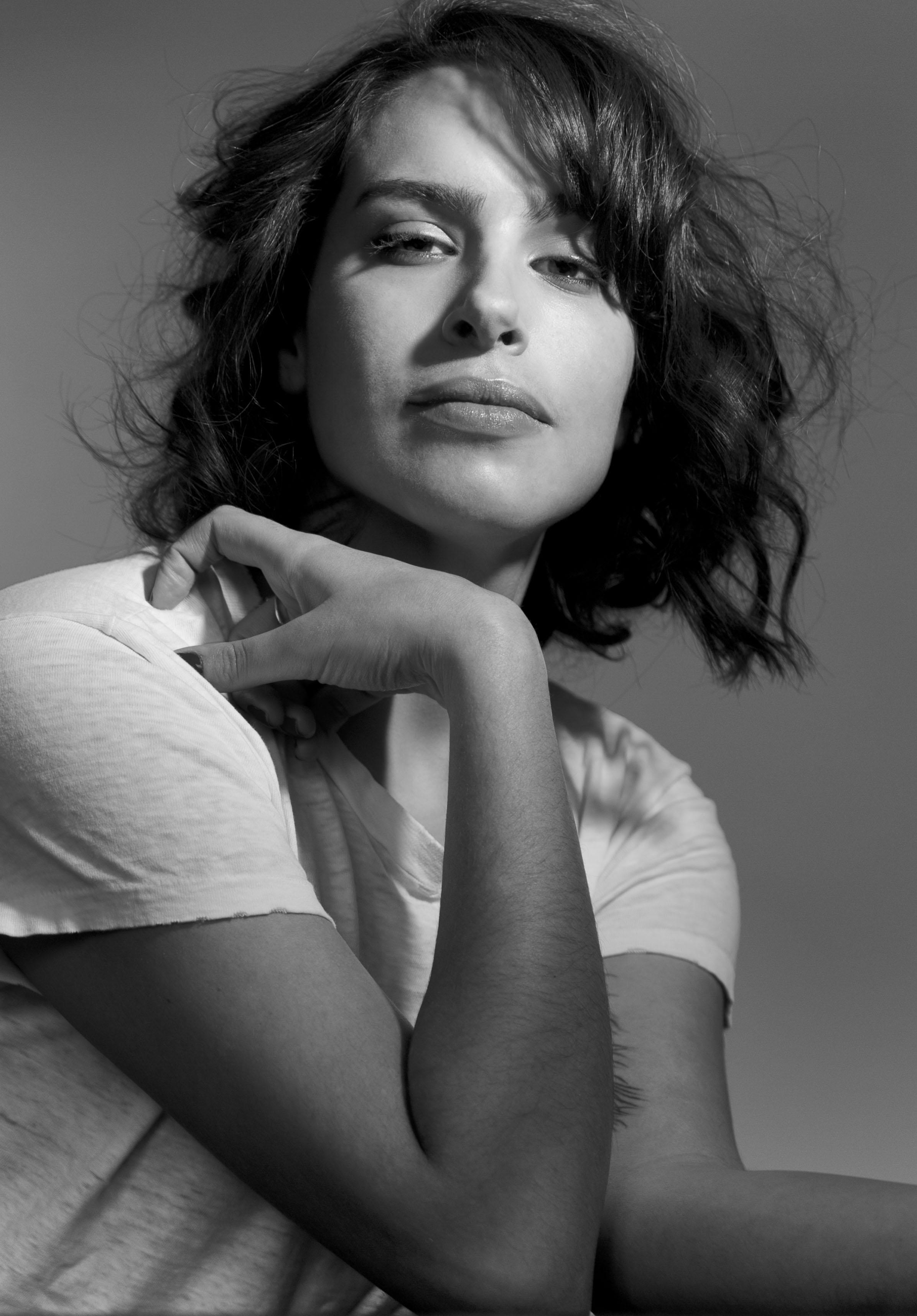 Desiree Akhavan Nude Photos 91