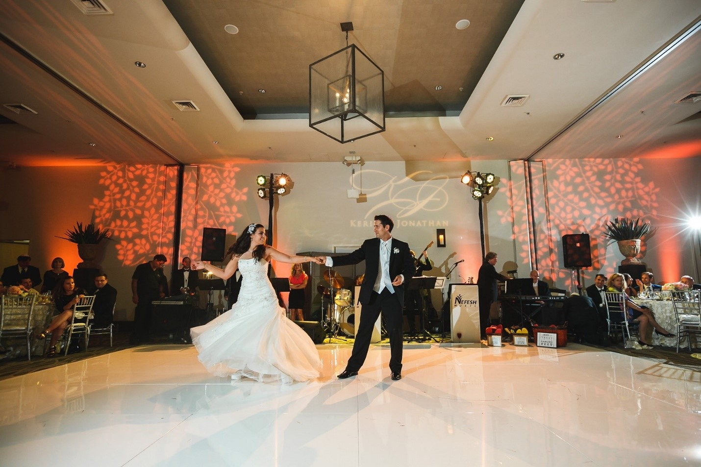 How To Dance At A Wedding.How To Make Sure You Can Dance In Your Wedding Dress