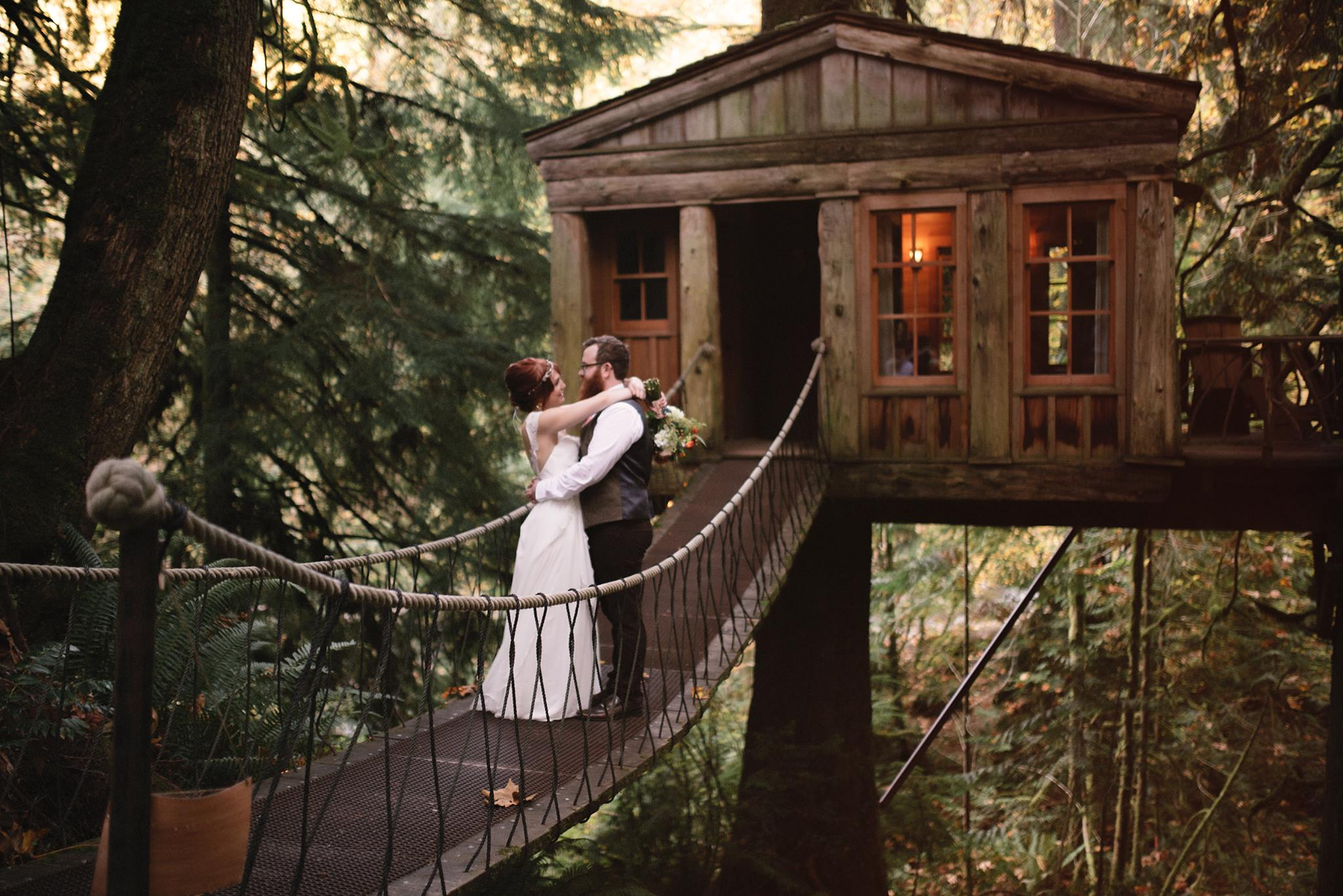 this treehouse wedding is what childhood dreams are made. Black Bedroom Furniture Sets. Home Design Ideas