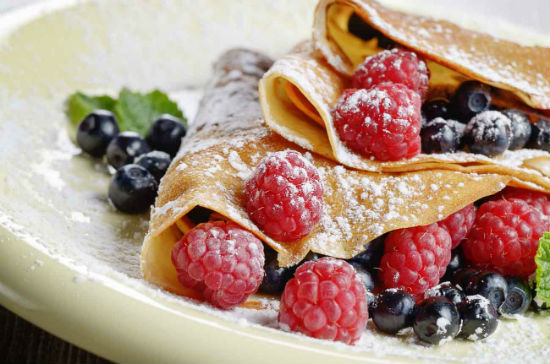 2015-01-16-2Finger_Millet_Crepes_Fruits_Raspberries_Recipe_shutterstock_231401329.jpg