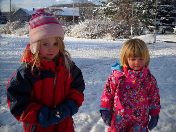 2015-01-16-Littlegirlsinsnow2.jpg