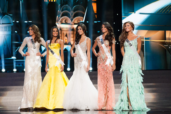 2015-01-19-MissUniverse2013finalists.jpg