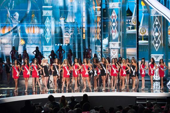 2015-01-19-MissUniverse2013stagepicture.jpg