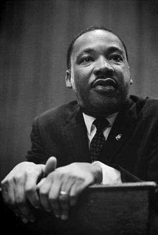 2015-01-20-322pxMartin_Luther_King_press_conference_01269u_edit.jpg