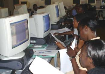 2015-01-20-Nigeriaweomenatcomputers.png