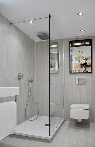 Quelle douche choisir pour une salle de bains pratique et design?
