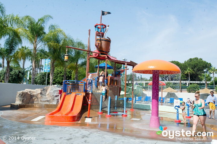 10 hotel water parks your kids will love huffpost. Black Bedroom Furniture Sets. Home Design Ideas