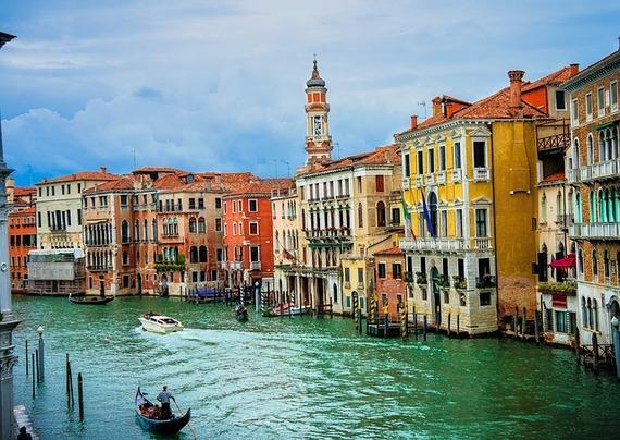 2015-02-04-VeniceGondolier.jpg