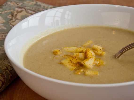 2015-02-07-curriedcauliflowerandapplesoup.jpg