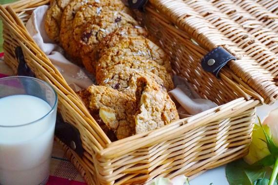2015-02-09-chocolatevanillacoconutcookies1.jpg