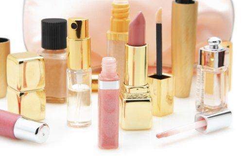 2015-02-09-makeupbag91826214.jpg