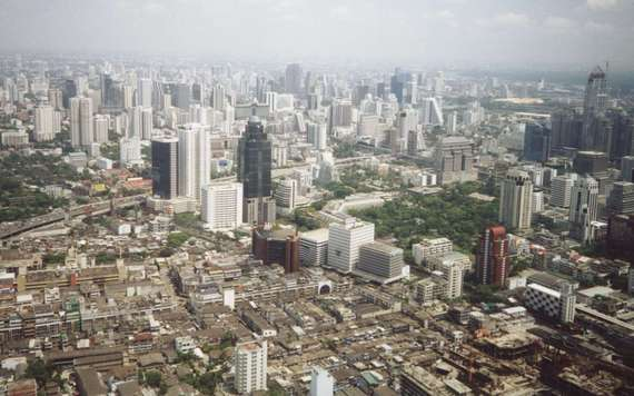 2015-02-10-BangkokSkyline.jpg