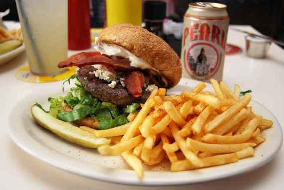 2015-02-10-ChefsBestBurgers_3.jpeg