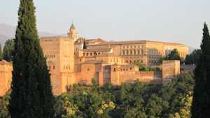 2015-02-11-Alhambraexterior300px.jpg