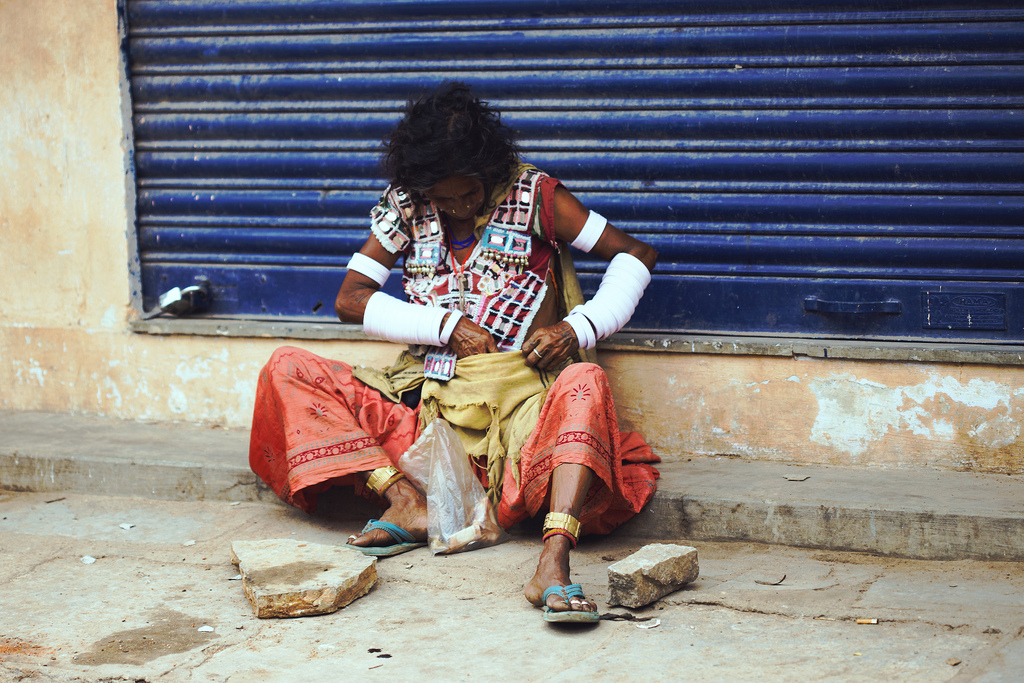 2015-02-11-homelesswomaninhyderabad.jpg