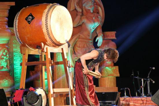 2015-02-17-TaikoPlayerLeonardEtoSirpurFestivalChhattisgarh.jpg