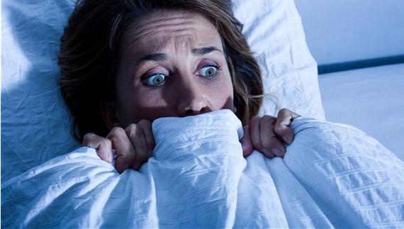 2015-02-19-Women_in_bed_fear.png