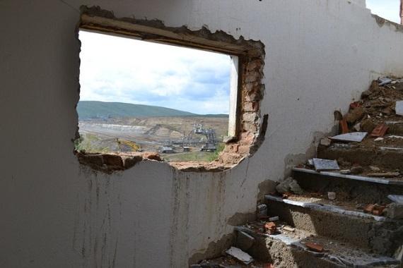 2015-02-20-Kosovoresettlement1.jpg