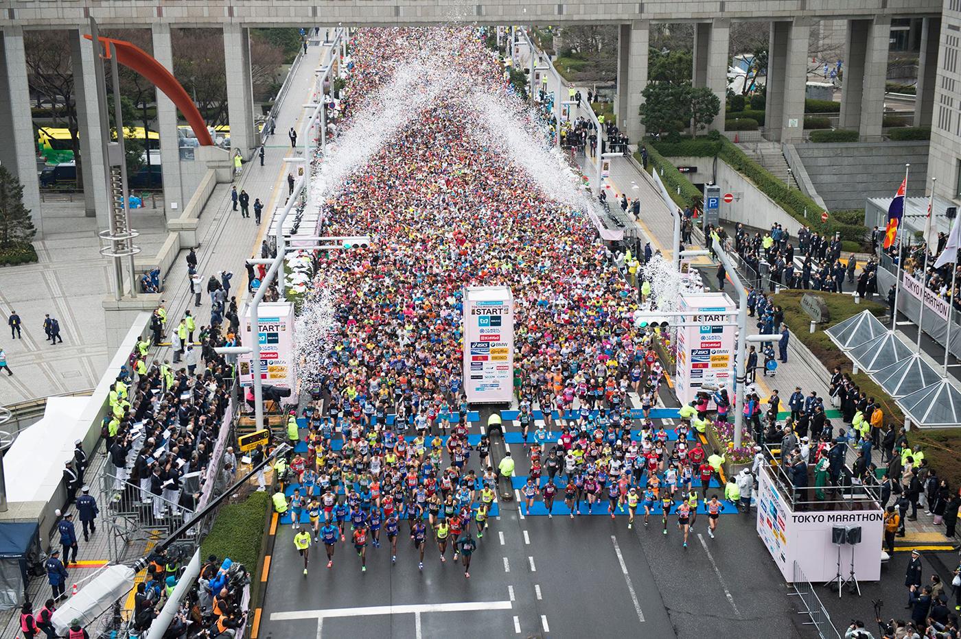 東京マラソン2015。縮小化するも、おもしろコスプレランナー健在