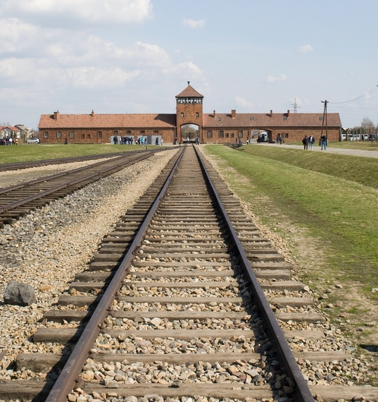 2015-02-23-Selection_ramp_Auschwitz_II_Birkenau_Poland1.jpg