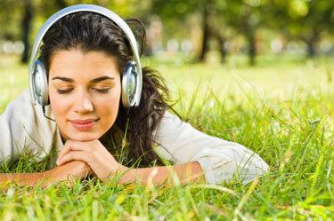 2015-02-24-listenmusicstudentgirl.jpg