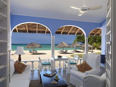 2015-02-25-JamaicaInn400x300.jpg