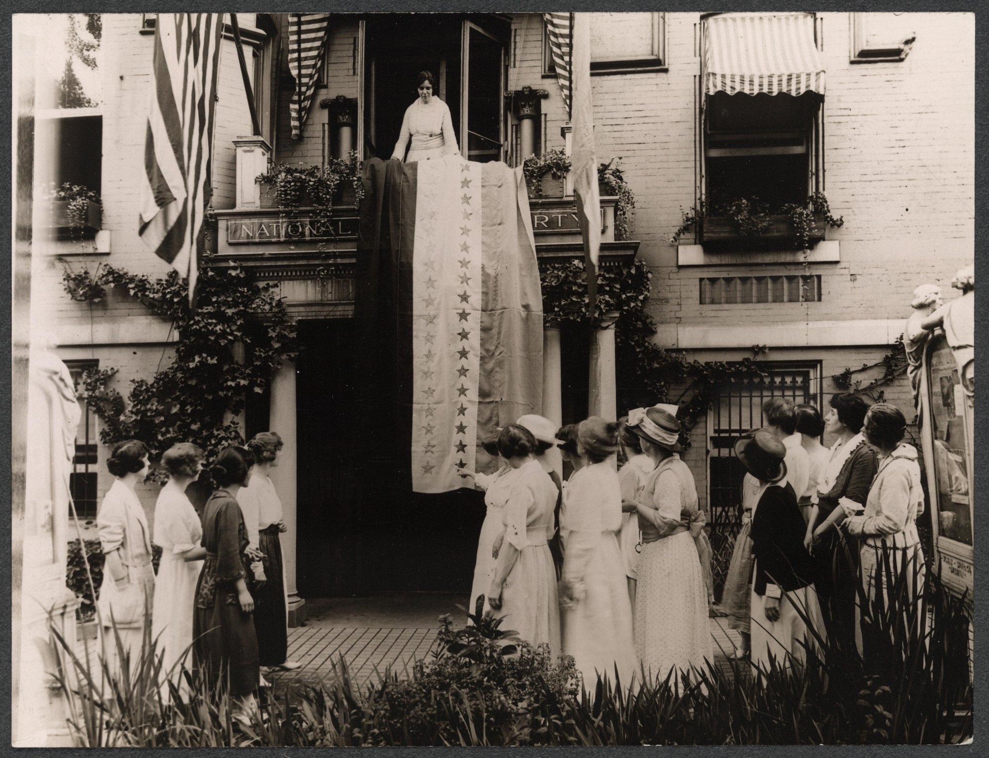 Voting rights march that led to women s suffrage the huffington post