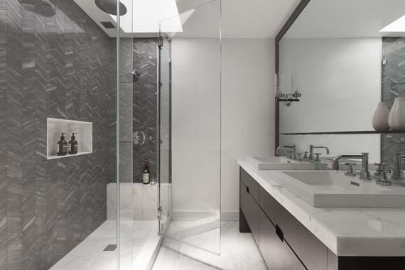 9 stunning marble bathroom design ideas huffpost for Hall bathroom ideas
