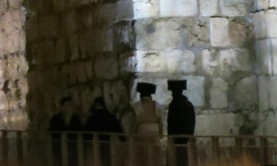 2015-03-04-1425488669-3168135-JerusalemFigures.jpg